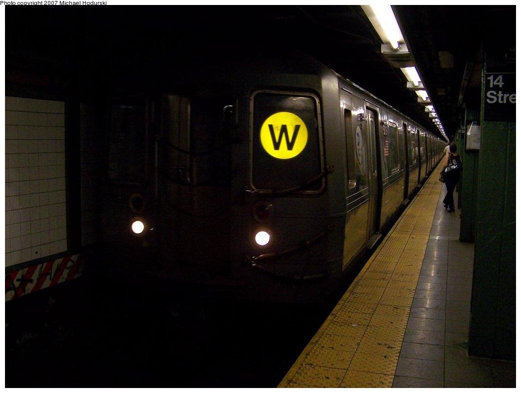 (111k, 1044x788)<br><b>Country:</b> United States<br><b>City:</b> New York<br><b>System:</b> New York City Transit<br><b>Line:</b> BMT Broadway Line<br><b>Location:</b> 14th Street/Union Square <br><b>Route:</b> W<br><b>Car:</b> R-68A (Kawasaki, 1988-1989)  5118 <br><b>Photo by:</b> Michael Hodurski<br><b>Date:</b> 7/31/2007<br><b>Viewed (this week/total):</b> 0 / 2808