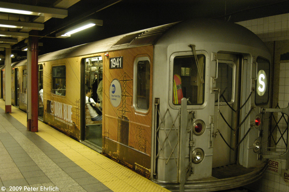 (211k, 930x618)<br><b>Country:</b> United States<br><b>City:</b> New York<br><b>System:</b> New York City Transit<br><b>Line:</b> IRT Times Square-Grand Central Shuttle<br><b>Location:</b> Grand Central <br><b>Car:</b> R-62A (Bombardier, 1984-1987)  1941 <br><b>Photo by:</b> Peter Ehrlich<br><b>Date:</b> 7/22/2009<br><b>Viewed (this week/total):</b> 1 / 850