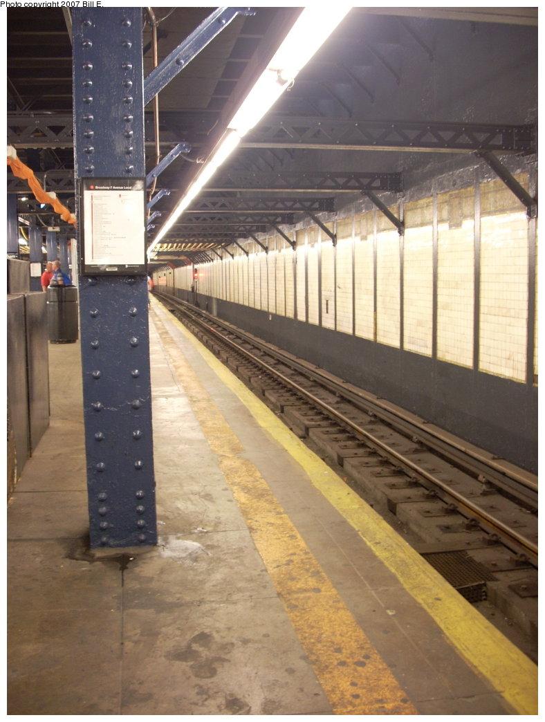 (189k, 788x1044)<br><b>Country:</b> United States<br><b>City:</b> New York<br><b>System:</b> New York City Transit<br><b>Line:</b> IRT West Side Line<br><b>Location:</b> Chambers Street <br><b>Photo by:</b> Bill E.<br><b>Date:</b> 8/5/2007<br><b>Viewed (this week/total):</b> 0 / 1729