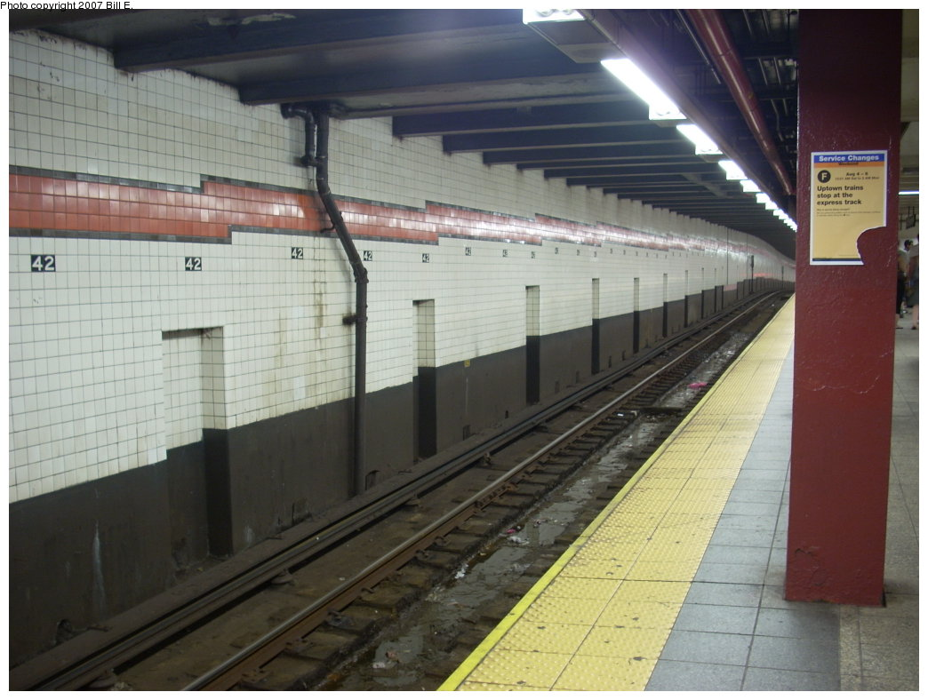 (183k, 1044x788)<br><b>Country:</b> United States<br><b>City:</b> New York<br><b>System:</b> New York City Transit<br><b>Line:</b> IND 6th Avenue Line<br><b>Location:</b> 42nd Street/Bryant Park <br><b>Photo by:</b> Bill E.<br><b>Date:</b> 8/5/2007<br><b>Viewed (this week/total):</b> 1 / 1618