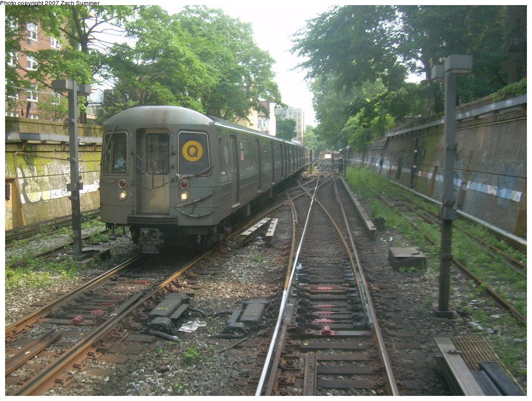 (255k, 1044x788)<br><b>Country:</b> United States<br><b>City:</b> New York<br><b>System:</b> New York City Transit<br><b>Line:</b> BMT Brighton Line<br><b>Location:</b> Prospect Park <br><b>Route:</b> Q<br><b>Car:</b> R-68A (Kawasaki, 1988-1989)   <br><b>Photo by:</b> Zach Summer<br><b>Date:</b> 7/18/2007<br><b>Viewed (this week/total):</b> 0 / 3935