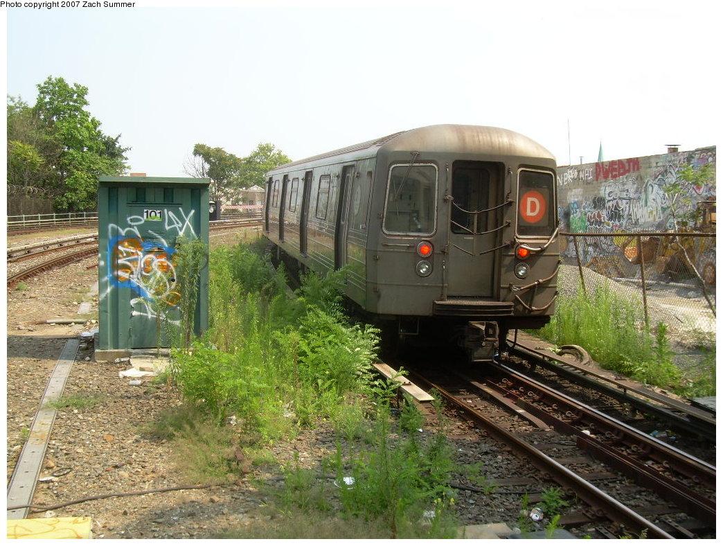 (265k, 1044x788)<br><b>Country:</b> United States<br><b>City:</b> New York<br><b>System:</b> New York City Transit<br><b>Line:</b> BMT West End Line<br><b>Location:</b> 9th Avenue <br><b>Route:</b> D<br><b>Car:</b> R-68 (Westinghouse-Amrail, 1986-1988)   <br><b>Photo by:</b> Zach Summer<br><b>Date:</b> 7/28/2007<br><b>Viewed (this week/total):</b> 0 / 2347