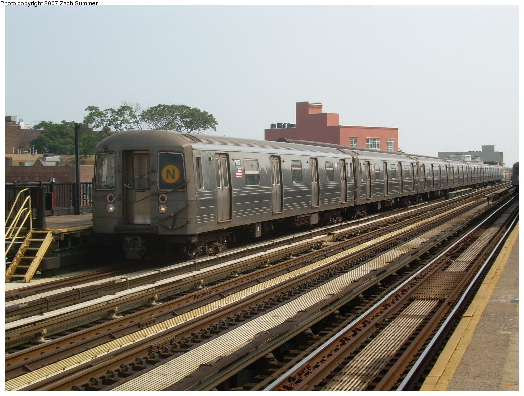 (230k, 1044x788)<br><b>Country:</b> United States<br><b>City:</b> New York<br><b>System:</b> New York City Transit<br><b>Line:</b> BMT West End Line<br><b>Location:</b> 50th Street <br><b>Route:</b> N<br><b>Car:</b> R-68 (Westinghouse-Amrail, 1986-1988)  2798 <br><b>Photo by:</b> Zach Summer<br><b>Date:</b> 7/28/2007<br><b>Viewed (this week/total):</b> 0 / 1445