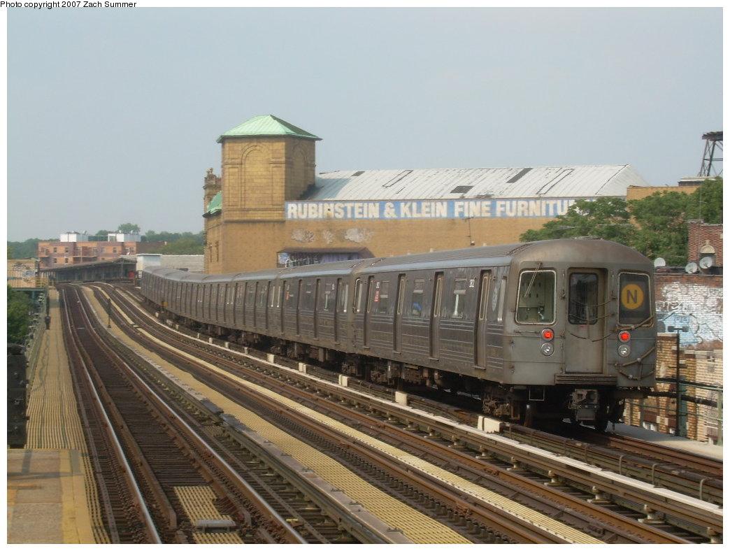 (197k, 1044x788)<br><b>Country:</b> United States<br><b>City:</b> New York<br><b>System:</b> New York City Transit<br><b>Line:</b> BMT West End Line<br><b>Location:</b> 50th Street <br><b>Route:</b> N<br><b>Car:</b> R-68 (Westinghouse-Amrail, 1986-1988)  2802 <br><b>Photo by:</b> Zach Summer<br><b>Date:</b> 7/28/2007<br><b>Viewed (this week/total):</b> 0 / 1310
