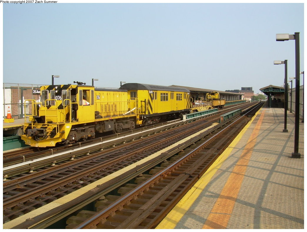 (223k, 1044x788)<br><b>Country:</b> United States<br><b>City:</b> New York<br><b>System:</b> New York City Transit<br><b>Line:</b> BMT West End Line<br><b>Location:</b> 25th Avenue <br><b>Route:</b> Work Service<br><b>Car:</b> R-52 Locomotive  76 <br><b>Photo by:</b> Zach Summer<br><b>Date:</b> 7/28/2007<br><b>Viewed (this week/total):</b> 3 / 1261