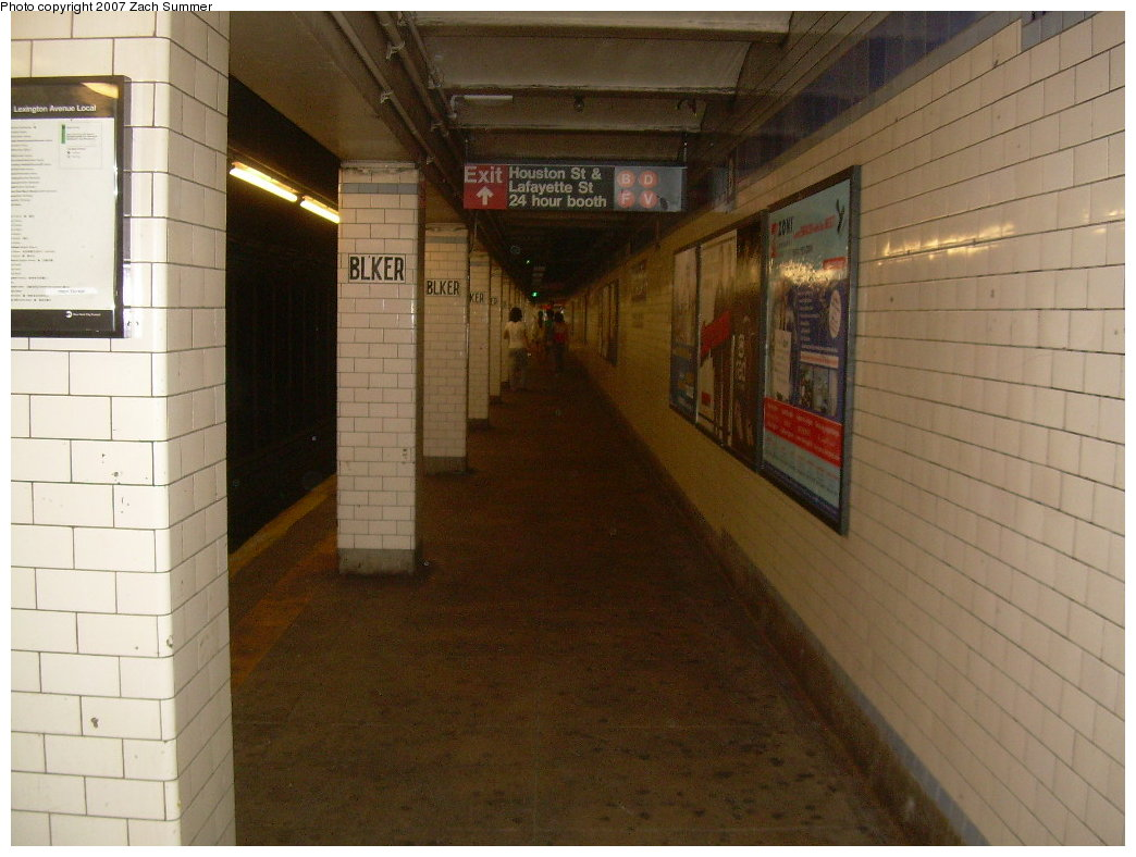 (187k, 1044x788)<br><b>Country:</b> United States<br><b>City:</b> New York<br><b>System:</b> New York City Transit<br><b>Line:</b> IRT East Side Line<br><b>Location:</b> Bleecker Street <br><b>Photo by:</b> Zach Summer<br><b>Date:</b> 7/31/2007<br><b>Viewed (this week/total):</b> 2 / 2121