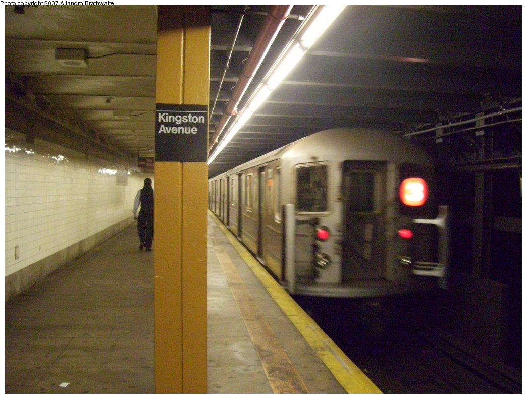 (195k, 1044x791)<br><b>Country:</b> United States<br><b>City:</b> New York<br><b>System:</b> New York City Transit<br><b>Line:</b> IRT Brooklyn Line<br><b>Location:</b> Kingston Avenue <br><b>Route:</b> 3<br><b>Car:</b> R-62 (Kawasaki, 1983-1985)  1460 <br><b>Photo by:</b> Aliandro Brathwaite<br><b>Date:</b> 8/1/2007<br><b>Viewed (this week/total):</b> 5 / 3442