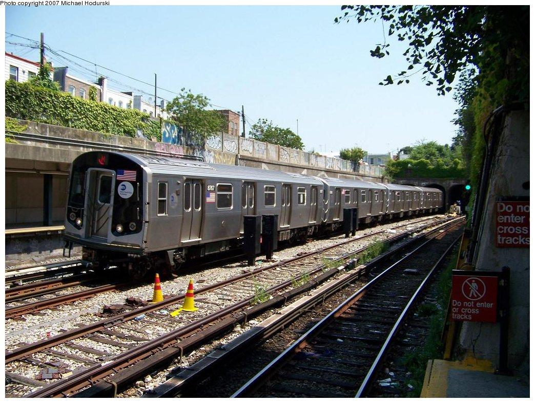 (251k, 1044x788)<br><b>Country:</b> United States<br><b>City:</b> New York<br><b>System:</b> New York City Transit<br><b>Line:</b> BMT Sea Beach Line<br><b>Location:</b> 20th Avenue <br><b>Route:</b> N<br><b>Car:</b> R-160B (Kawasaki, 2005-2008)  8767 <br><b>Photo by:</b> Michael Hodurski<br><b>Date:</b> 8/2/2007<br><b>Viewed (this week/total):</b> 0 / 1761