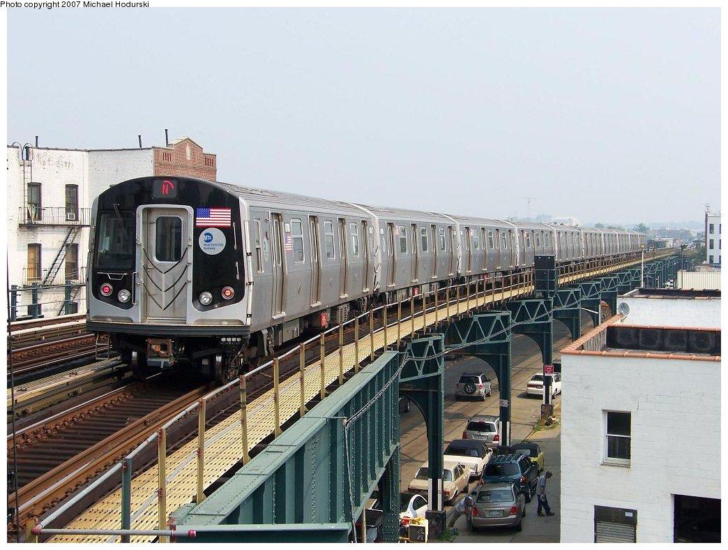 (205k, 1044x788)<br><b>Country:</b> United States<br><b>City:</b> New York<br><b>System:</b> New York City Transit<br><b>Line:</b> BMT West End Line<br><b>Location:</b> 18th Avenue <br><b>Route:</b> N<br><b>Car:</b> R-160B (Kawasaki, 2005-2008)  8788 <br><b>Photo by:</b> Michael Hodurski<br><b>Date:</b> 8/4/2007<br><b>Viewed (this week/total):</b> 0 / 2181
