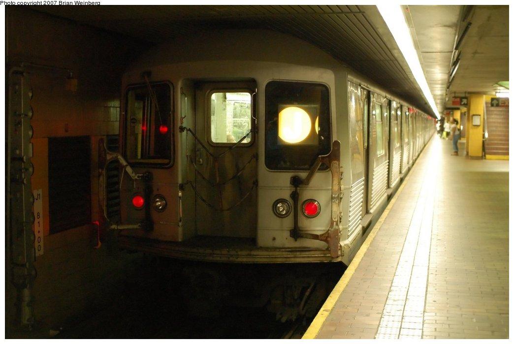 (168k, 1044x700)<br><b>Country:</b> United States<br><b>City:</b> New York<br><b>System:</b> New York City Transit<br><b>Line:</b> BMT Nassau Street/Jamaica Line<br><b>Location:</b> Jamaica Center/Parsons-Archer <br><b>Route:</b> J<br><b>Car:</b> R-42 (St. Louis, 1969-1970)  4564 <br><b>Photo by:</b> Brian Weinberg<br><b>Date:</b> 8/7/2007<br><b>Viewed (this week/total):</b> 2 / 2800