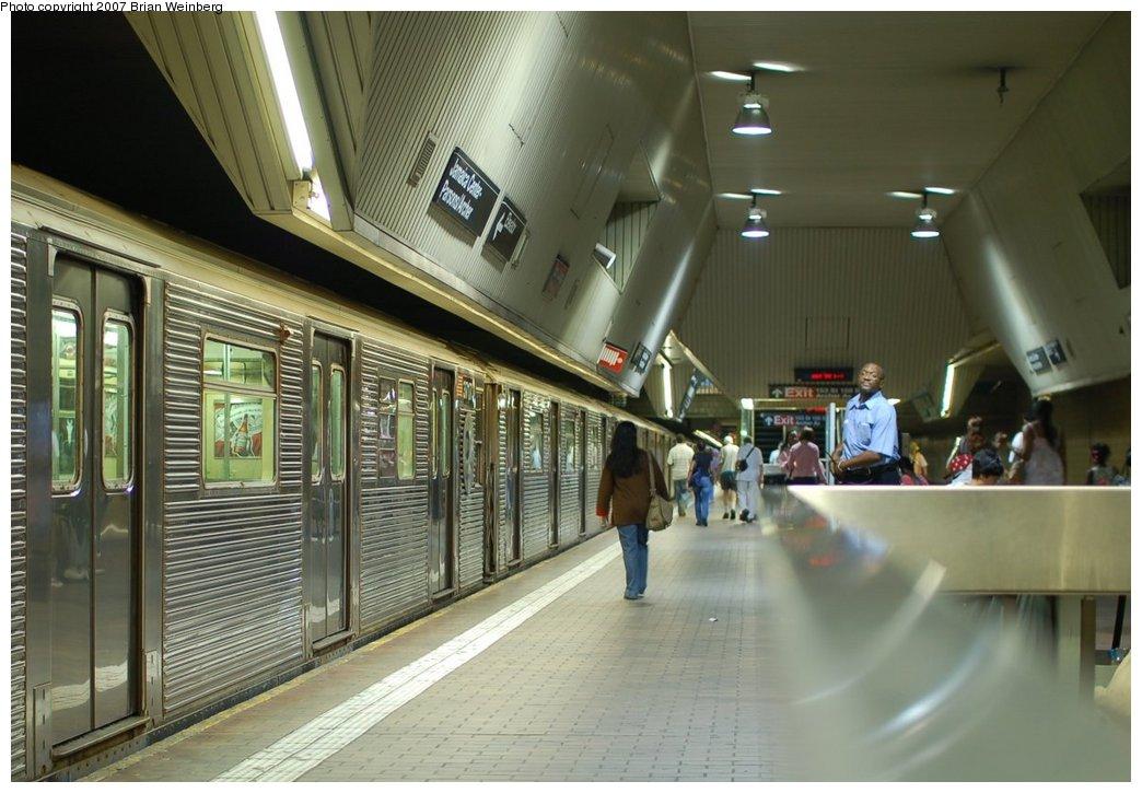 (209k, 1044x725)<br><b>Country:</b> United States<br><b>City:</b> New York<br><b>System:</b> New York City Transit<br><b>Line:</b> IND Queens Boulevard Line<br><b>Location:</b> Jamaica Center/Parsons-Archer <br><b>Route:</b> E<br><b>Car:</b> R-32 (Budd, 1964)  3717 <br><b>Photo by:</b> Brian Weinberg<br><b>Date:</b> 8/7/2007<br><b>Viewed (this week/total):</b> 0 / 4089