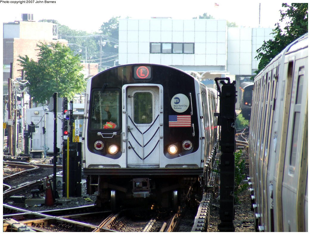 (234k, 1044x788)<br><b>Country:</b> United States<br><b>City:</b> New York<br><b>System:</b> New York City Transit<br><b>Line:</b> BMT Canarsie Line<br><b>Location:</b> East 105th Street <br><b>Route:</b> L<br><b>Car:</b> R-143 (Kawasaki, 2001-2002) 8137 <br><b>Photo by:</b> John Barnes<br><b>Date:</b> 8/2/2007<br><b>Viewed (this week/total):</b> 0 / 3572