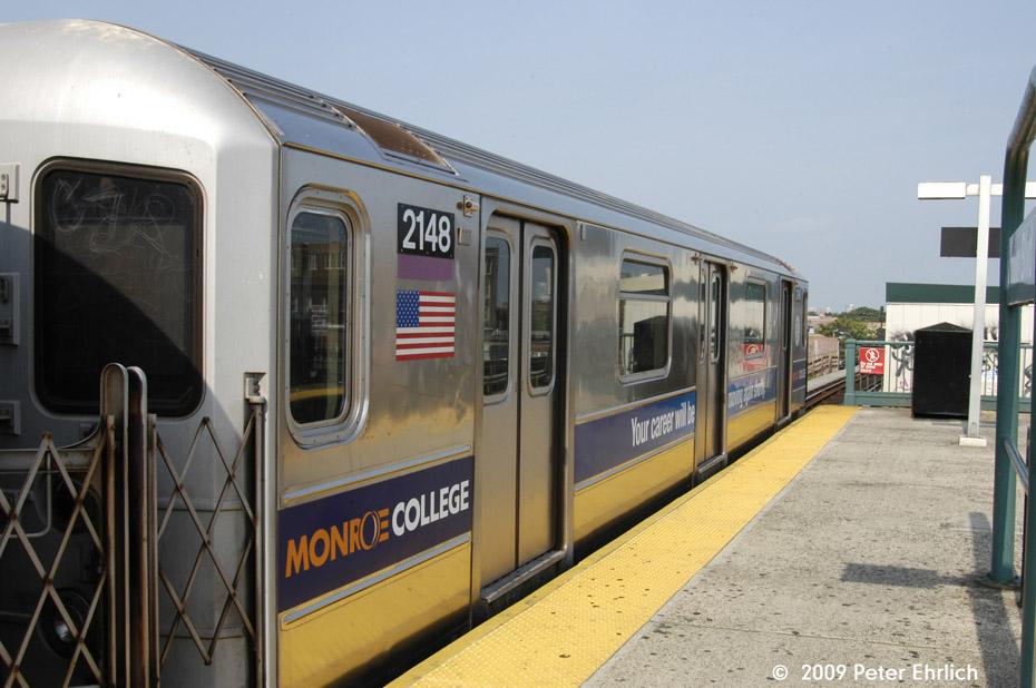 (186k, 930x618)<br><b>Country:</b> United States<br><b>City:</b> New York<br><b>System:</b> New York City Transit<br><b>Line:</b> IRT Flushing Line<br><b>Location:</b> Junction Boulevard <br><b>Route:</b> 7<br><b>Car:</b> R-62A (Bombardier, 1984-1987)  2148 <br><b>Photo by:</b> Peter Ehrlich<br><b>Date:</b> 7/22/2009<br><b>Notes:</b> Inbound.<br><b>Viewed (this week/total):</b> 4 / 1071