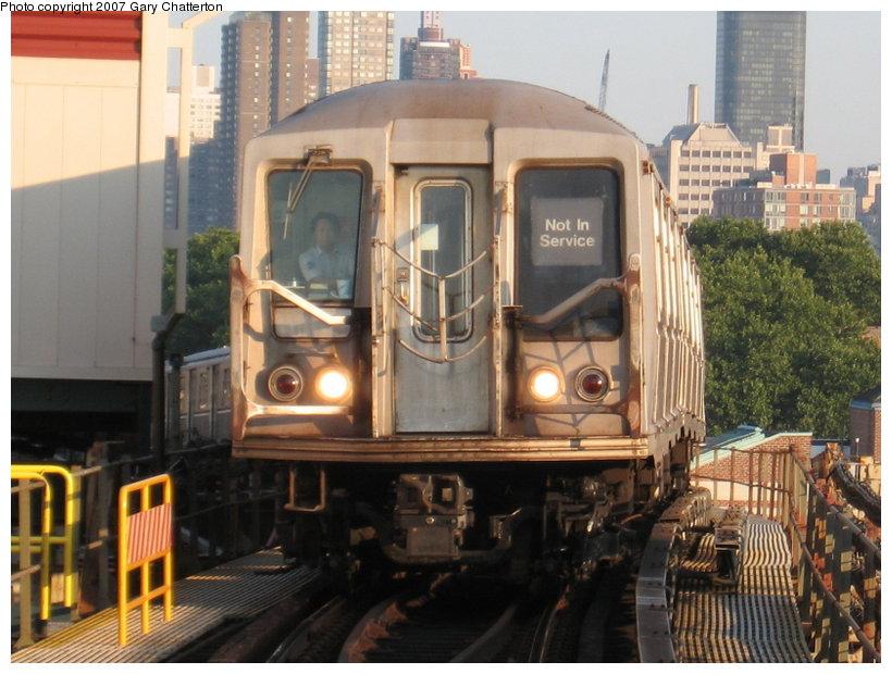(120k, 820x620)<br><b>Country:</b> United States<br><b>City:</b> New York<br><b>System:</b> New York City Transit<br><b>Line:</b> BMT Astoria Line<br><b>Location:</b> Queensborough Plaza <br><b>Car:</b> R-40 (St. Louis, 1968)  4356 <br><b>Photo by:</b> Gary Chatterton<br><b>Date:</b> 8/1/2007<br><b>Viewed (this week/total):</b> 5 / 2230