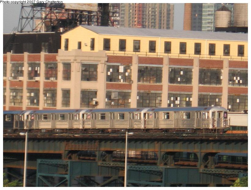 (113k, 820x620)<br><b>Country:</b> United States<br><b>City:</b> New York<br><b>System:</b> New York City Transit<br><b>Line:</b> IRT Flushing Line<br><b>Location:</b> Queensborough Plaza <br><b>Route:</b> 7<br><b>Car:</b> R-62A (Bombardier, 1984-1987)  1943 <br><b>Photo by:</b> Gary Chatterton<br><b>Date:</b> 8/1/2007<br><b>Viewed (this week/total):</b> 0 / 2196