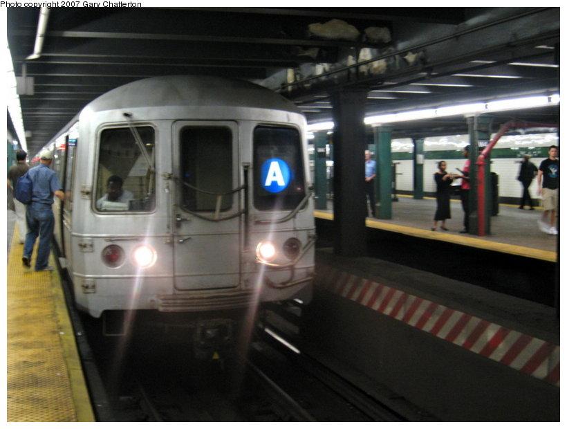 (89k, 820x620)<br><b>Country:</b> United States<br><b>City:</b> New York<br><b>System:</b> New York City Transit<br><b>Line:</b> IND 8th Avenue Line<br><b>Location:</b> West 4th Street/Washington Square <br><b>Route:</b> A<br><b>Car:</b> R-44 (St. Louis, 1971-73) 5370 <br><b>Photo by:</b> Gary Chatterton<br><b>Date:</b> 8/6/2007<br><b>Viewed (this week/total):</b> 3 / 2240