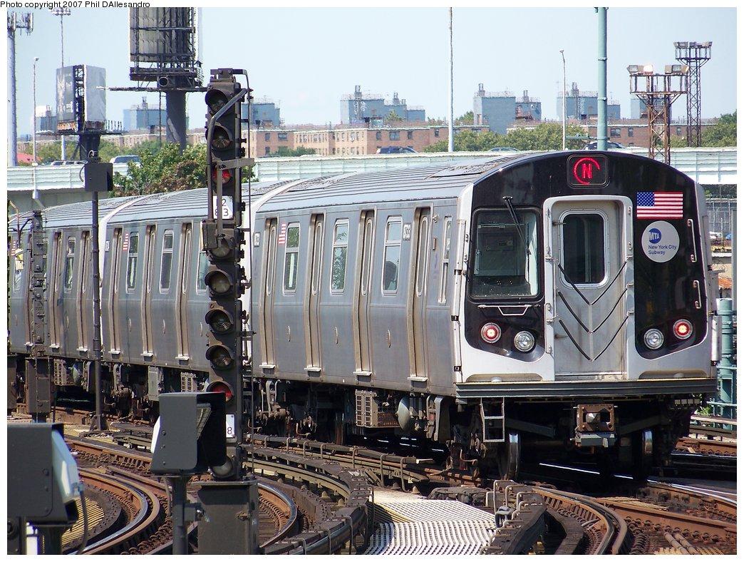(254k, 1044x788)<br><b>Country:</b> United States<br><b>City:</b> New York<br><b>System:</b> New York City Transit<br><b>Location:</b> Coney Island/Stillwell Avenue<br><b>Route:</b> N<br><b>Car:</b> R-160B (Kawasaki, 2005-2008)  8733 <br><b>Photo by:</b> Philip D'Allesandro<br><b>Date:</b> 8/11/2007<br><b>Viewed (this week/total):</b> 0 / 1718