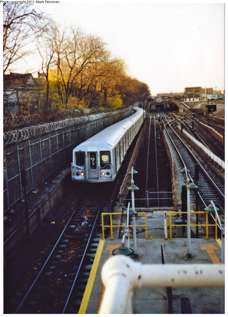 (389k, 752x1044)<br><b>Country:</b> United States<br><b>City:</b> New York<br><b>System:</b> New York City Transit<br><b>Line:</b> BMT West End Line<br><b>Location:</b> 9th Avenue <br><b>Route:</b> B<br><b>Car:</b> R-40 (St. Louis, 1968)   <br><b>Photo by:</b> Mark S. Feinman<br><b>Date:</b> 11/22/1989<br><b>Viewed (this week/total):</b> 1 / 1452