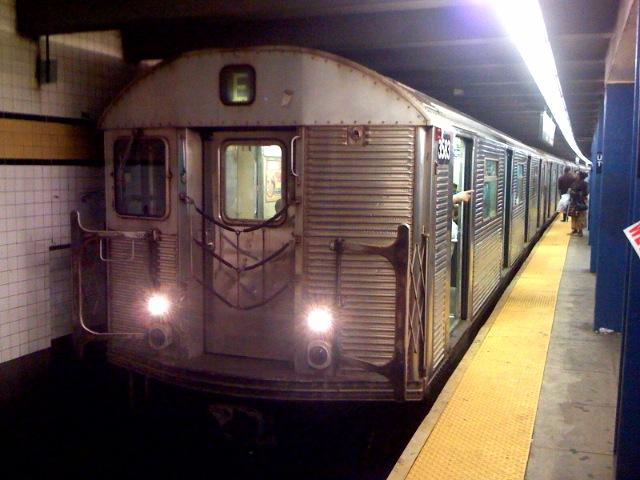 (96k, 640x480)<br><b>Country:</b> United States<br><b>City:</b> New York<br><b>System:</b> New York City Transit<br><b>Line:</b> IND Queens Boulevard Line<br><b>Location:</b> Union Turnpike/Kew Gardens <br><b>Route:</b> E<br><b>Car:</b> R-32 (Budd, 1964)  3583 <br><b>Photo by:</b> Richard Panse<br><b>Date:</b> 8/10/2007<br><b>Viewed (this week/total):</b> 0 / 2431