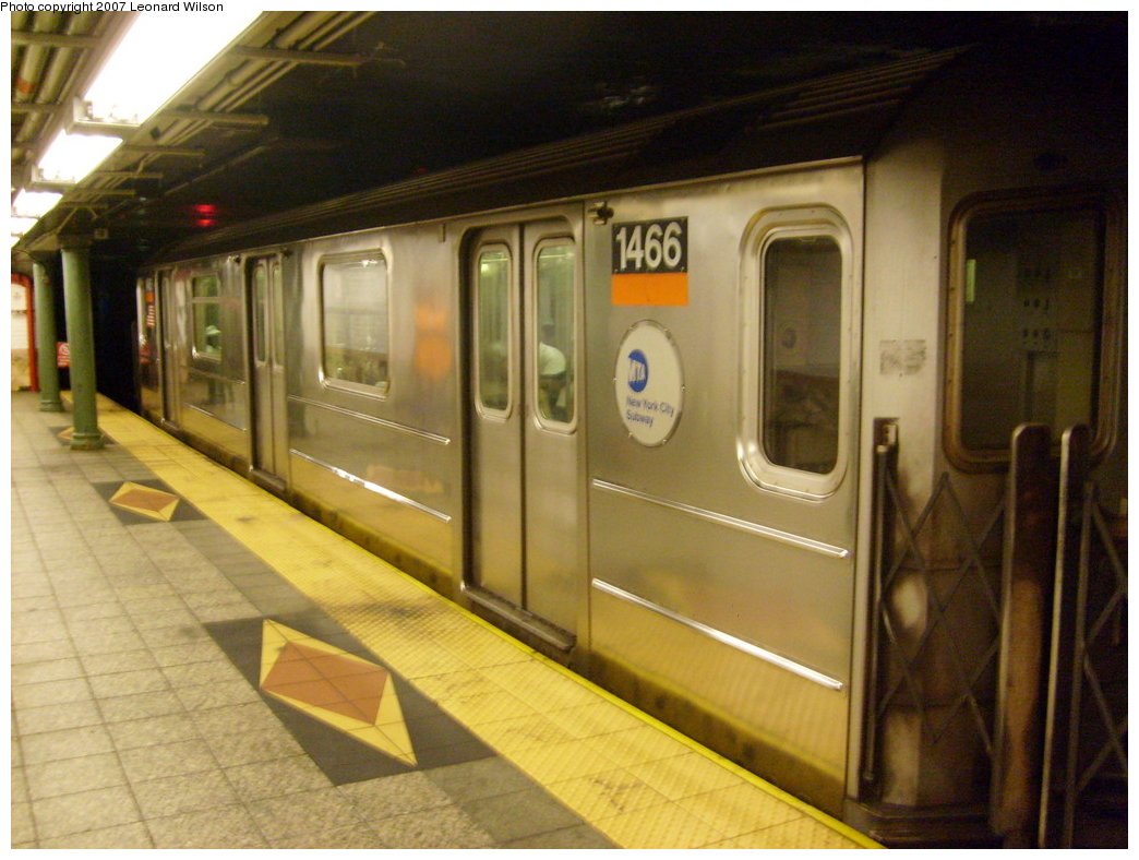 (194k, 1044x788)<br><b>Country:</b> United States<br><b>City:</b> New York<br><b>System:</b> New York City Transit<br><b>Line:</b> IRT Brooklyn Line<br><b>Location:</b> Atlantic Avenue <br><b>Route:</b> 3<br><b>Car:</b> R-62 (Kawasaki, 1983-1985)  1466 <br><b>Photo by:</b> Leonard Wilson<br><b>Date:</b> 8/11/2007<br><b>Viewed (this week/total):</b> 0 / 3034