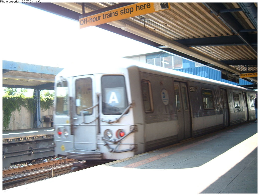 (152k, 1044x788)<br><b>Country:</b> United States<br><b>City:</b> New York<br><b>System:</b> New York City Transit<br><b>Line:</b> IND Rockaway<br><b>Location:</b> Broad Channel <br><b>Route:</b> A<br><b>Car:</b> R-44 (St. Louis, 1971-73) 5260 <br><b>Photo by:</b> Chris M.<br><b>Date:</b> 8/13/2007<br><b>Viewed (this week/total):</b> 2 / 2352