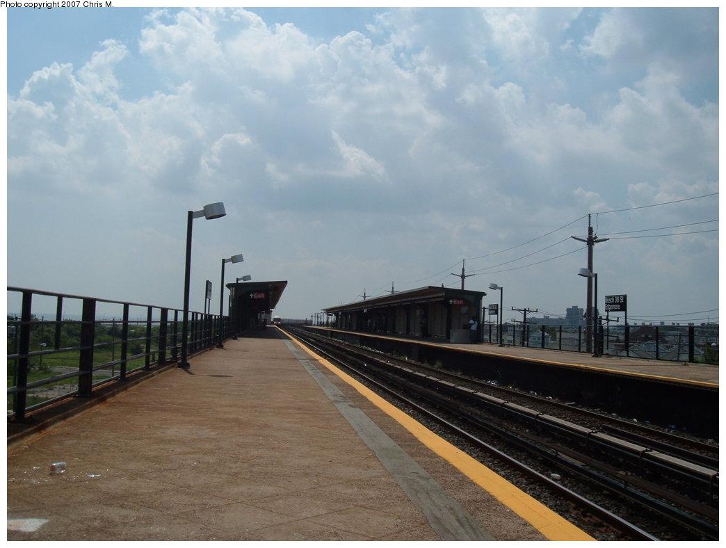 (138k, 1044x788)<br><b>Country:</b> United States<br><b>City:</b> New York<br><b>System:</b> New York City Transit<br><b>Line:</b> IND Rockaway<br><b>Location:</b> Beach 36th Street/Edgemere <br><b>Photo by:</b> Chris M.<br><b>Date:</b> 8/13/2007<br><b>Viewed (this week/total):</b> 2 / 1358