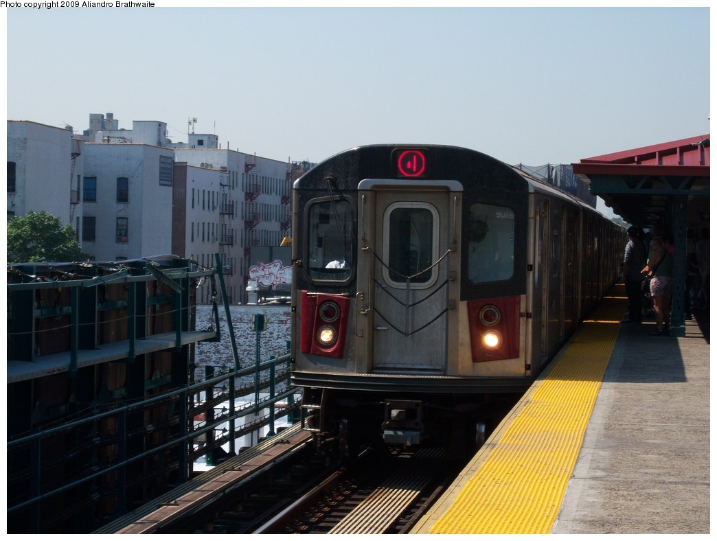 (205k, 1044x788)<br><b>Country:</b> United States<br><b>City:</b> New York<br><b>System:</b> New York City Transit<br><b>Line:</b> IRT Woodlawn Line<br><b>Location:</b> Burnside Avenue <br><b>Route:</b> 4<br><b>Car:</b> R-142 (Option Order, Bombardier, 2002-2003)  1106 <br><b>Photo by:</b> Aliandro Brathwaite<br><b>Date:</b> 8/18/2009<br><b>Viewed (this week/total):</b> 4 / 1350