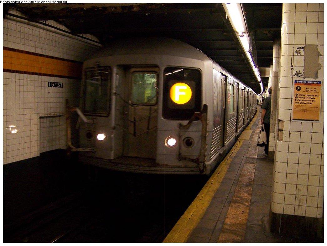 (153k, 1044x788)<br><b>Country:</b> United States<br><b>City:</b> New York<br><b>System:</b> New York City Transit<br><b>Line:</b> IND Crosstown Line<br><b>Location:</b> 15th Street/Prospect Park <br><b>Route:</b> F<br><b>Car:</b> R-42 (St. Louis, 1969-1970)  4916 <br><b>Photo by:</b> Michael Hodurski<br><b>Date:</b> 8/10/2007<br><b>Notes:</b> Train is a G running on the F, while the F was diverted down the Fulton line.<br><b>Viewed (this week/total):</b> 0 / 3255