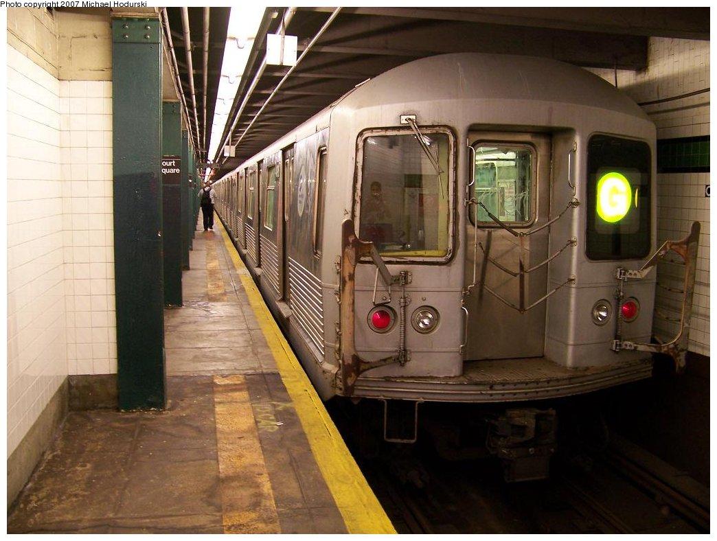 (169k, 1044x788)<br><b>Country:</b> United States<br><b>City:</b> New York<br><b>System:</b> New York City Transit<br><b>Line:</b> IND Crosstown Line<br><b>Location:</b> Court Square <br><b>Route:</b> G<br><b>Car:</b> R-42 (St. Louis, 1969-1970)  4916 <br><b>Photo by:</b> Michael Hodurski<br><b>Date:</b> 8/11/2007<br><b>Viewed (this week/total):</b> 3 / 2878