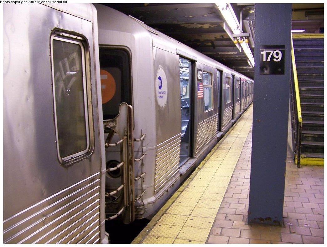 (186k, 1044x788)<br><b>Country:</b> United States<br><b>City:</b> New York<br><b>System:</b> New York City Transit<br><b>Line:</b> IND Queens Boulevard Line<br><b>Location:</b> 179th Street <br><b>Route:</b> F<br><b>Car:</b> R-42 (St. Louis, 1969-1970)  4920 <br><b>Photo by:</b> Michael Hodurski<br><b>Date:</b> 8/10/2007<br><b>Viewed (this week/total):</b> 0 / 3057