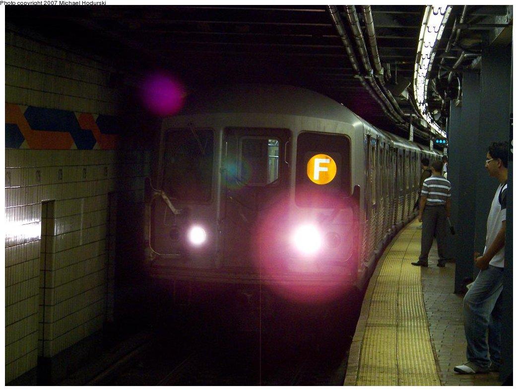 (145k, 1044x788)<br><b>Country:</b> United States<br><b>City:</b> New York<br><b>System:</b> New York City Transit<br><b>Line:</b> IND Queens Boulevard Line<br><b>Location:</b> 179th Street <br><b>Route:</b> F<br><b>Car:</b> R-42 (St. Louis, 1969-1970)  4932 <br><b>Photo by:</b> Michael Hodurski<br><b>Date:</b> 8/10/2007<br><b>Viewed (this week/total):</b> 1 / 3305