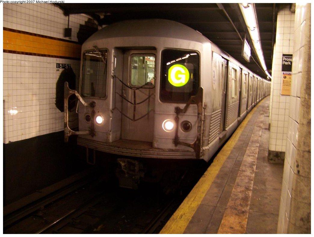 (145k, 1044x788)<br><b>Country:</b> United States<br><b>City:</b> New York<br><b>System:</b> New York City Transit<br><b>Line:</b> IND Crosstown Line<br><b>Location:</b> 15th Street/Prospect Park <br><b>Route:</b> G<br><b>Car:</b> R-42 (St. Louis, 1969-1970)  4932 <br><b>Photo by:</b> Michael Hodurski<br><b>Date:</b> 8/11/2007<br><b>Viewed (this week/total):</b> 1 / 3297