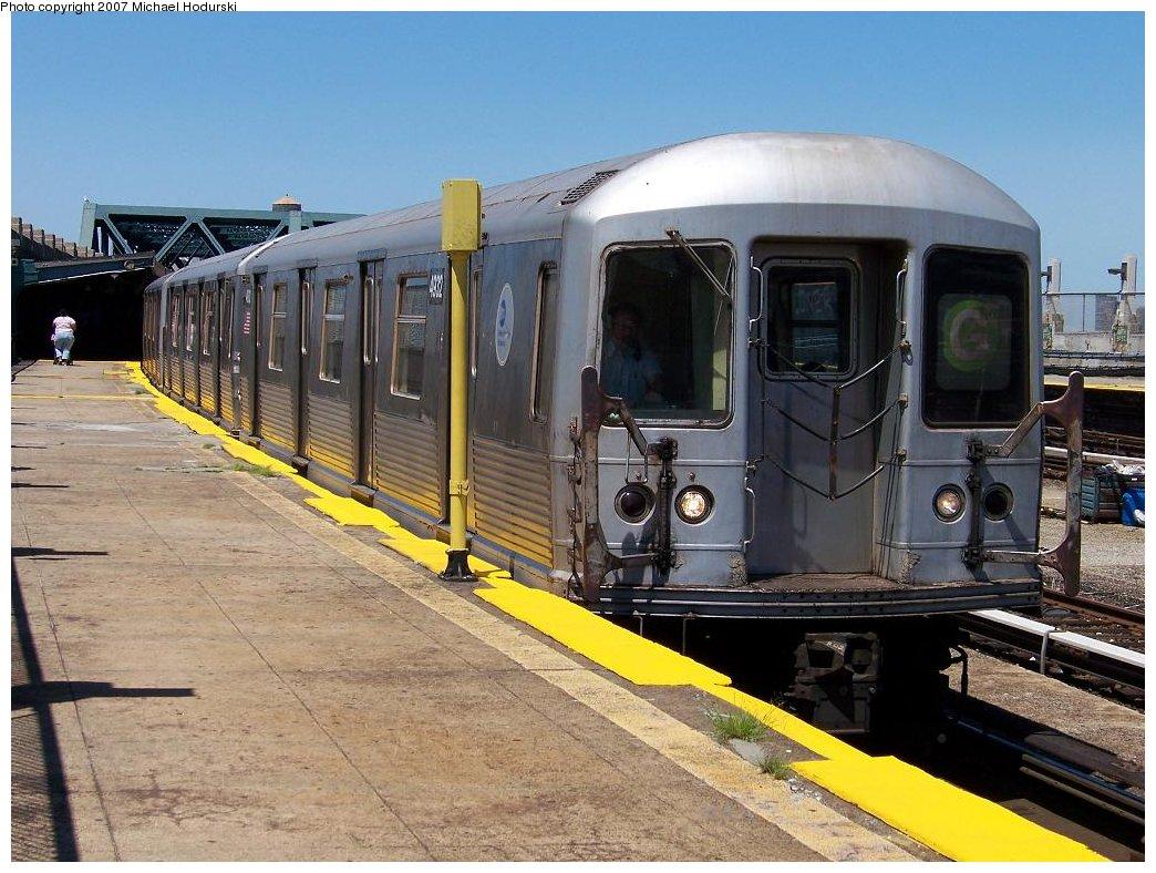 (197k, 1044x788)<br><b>Country:</b> United States<br><b>City:</b> New York<br><b>System:</b> New York City Transit<br><b>Line:</b> IND Crosstown Line<br><b>Location:</b> Smith/9th Street <br><b>Route:</b> G<br><b>Car:</b> R-42 (St. Louis, 1969-1970)  4932 <br><b>Photo by:</b> Michael Hodurski<br><b>Date:</b> 8/11/2007<br><b>Viewed (this week/total):</b> 2 / 2216