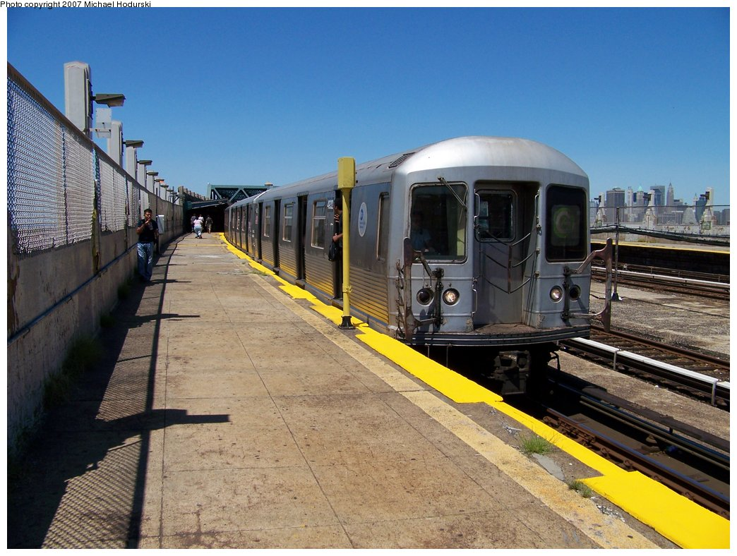 (196k, 1044x788)<br><b>Country:</b> United States<br><b>City:</b> New York<br><b>System:</b> New York City Transit<br><b>Line:</b> IND Crosstown Line<br><b>Location:</b> Smith/9th Street <br><b>Route:</b> G<br><b>Car:</b> R-42 (St. Louis, 1969-1970)  4932 <br><b>Photo by:</b> Michael Hodurski<br><b>Date:</b> 8/11/2007<br><b>Viewed (this week/total):</b> 1 / 2119