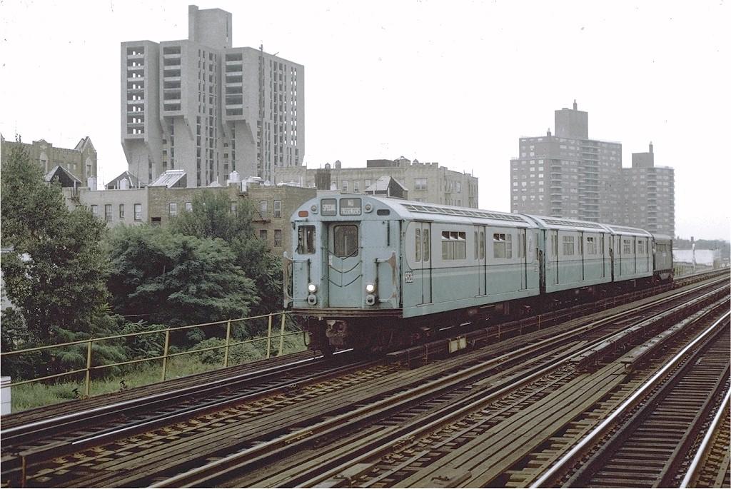 (228k, 1024x685)<br><b>Country:</b> United States<br><b>City:</b> New York<br><b>System:</b> New York City Transit<br><b>Line:</b> IRT White Plains Road Line<br><b>Location:</b> Allerton Avenue <br><b>Route:</b> Fan Trip<br><b>Car:</b> R-33 World's Fair (St. Louis, 1963-64) 9326 <br><b>Photo by:</b> Joe Testagrose<br><b>Date:</b> 9/20/1971<br><b>Viewed (this week/total):</b> 4 / 2625