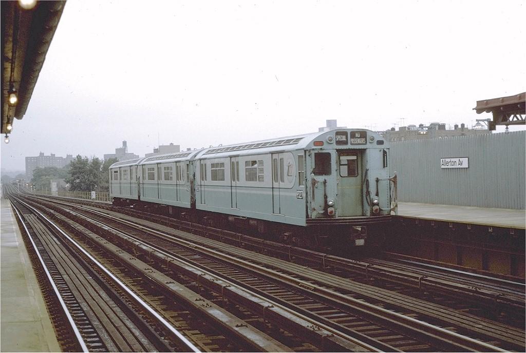 (180k, 1024x688)<br><b>Country:</b> United States<br><b>City:</b> New York<br><b>System:</b> New York City Transit<br><b>Line:</b> IRT White Plains Road Line<br><b>Location:</b> Allerton Avenue <br><b>Route:</b> Fan Trip<br><b>Car:</b> R-33 World's Fair (St. Louis, 1963-64) 9327 <br><b>Photo by:</b> Joe Testagrose<br><b>Date:</b> 9/20/1971<br><b>Viewed (this week/total):</b> 3 / 1986