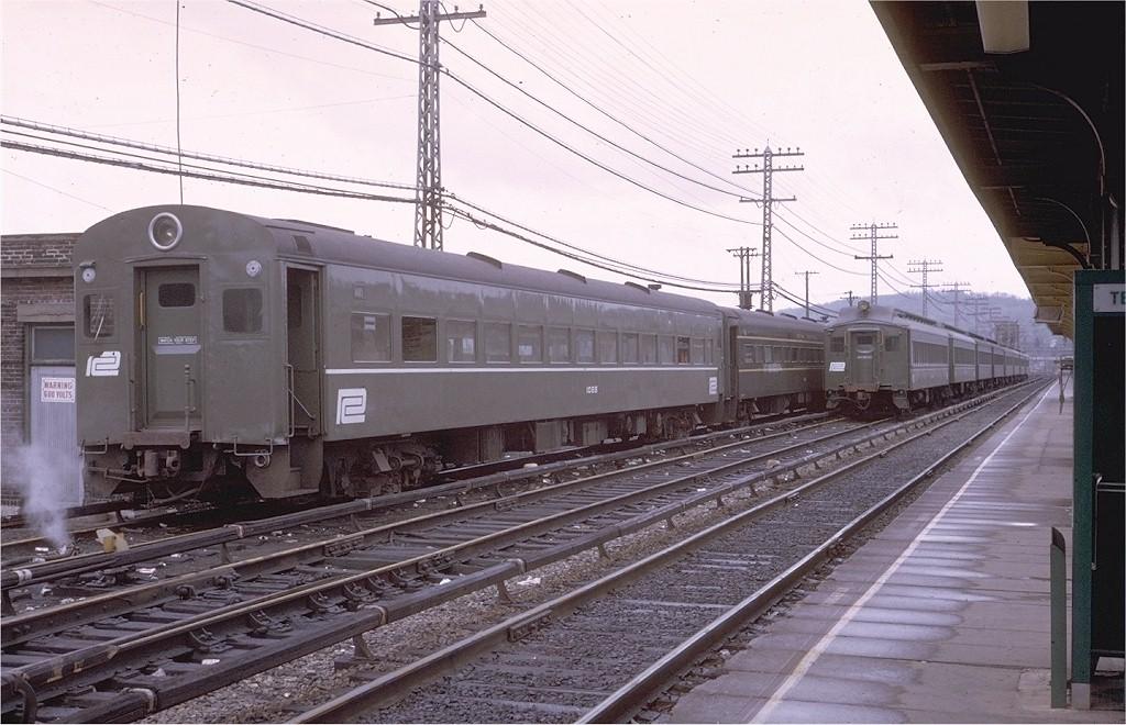 (199k, 1024x660)<br><b>Country:</b> United States<br><b>System:</b> Metro-North Railroad (or Amtrak or Predecessor RR)<br><b>Line:</b> Metro North-Hudson Line<br><b>Location:</b> Croton-Harmon <br><b>Car:</b> MNRR ACMU 1085 <br><b>Photo by:</b> Steve Zabel<br><b>Collection of:</b> Joe Testagrose<br><b>Date:</b> 5/3/1970<br><b>Viewed (this week/total):</b> 0 / 2092