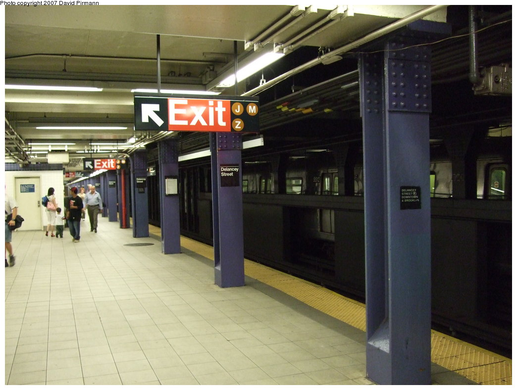 (156k, 1044x788)<br><b>Country:</b> United States<br><b>City:</b> New York<br><b>System:</b> New York City Transit<br><b>Line:</b> IND 6th Avenue Line<br><b>Location:</b> Delancey Street <br><b>Photo by:</b> David Pirmann<br><b>Date:</b> 8/14/2007<br><b>Viewed (this week/total):</b> 2 / 2685
