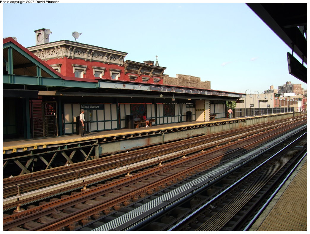 (217k, 1044x788)<br><b>Country:</b> United States<br><b>City:</b> New York<br><b>System:</b> New York City Transit<br><b>Line:</b> BMT Nassau Street/Jamaica Line<br><b>Location:</b> Marcy Avenue <br><b>Photo by:</b> David Pirmann<br><b>Date:</b> 8/14/2007<br><b>Viewed (this week/total):</b> 0 / 908