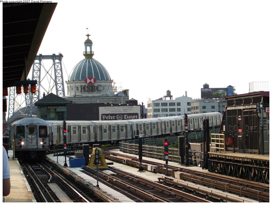 (192k, 1044x788)<br><b>Country:</b> United States<br><b>City:</b> New York<br><b>System:</b> New York City Transit<br><b>Line:</b> BMT Nassau Street/Jamaica Line<br><b>Location:</b> Marcy Avenue <br><b>Route:</b> J<br><b>Car:</b> R-42 (St. Louis, 1969-1970)  4625 <br><b>Photo by:</b> David Pirmann<br><b>Date:</b> 8/14/2007<br><b>Viewed (this week/total):</b> 0 / 2030
