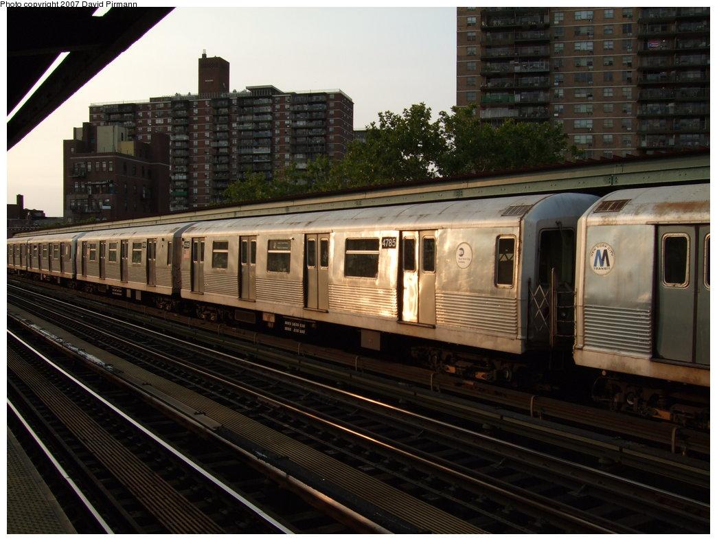 (179k, 1044x788)<br><b>Country:</b> United States<br><b>City:</b> New York<br><b>System:</b> New York City Transit<br><b>Line:</b> BMT Nassau Street/Jamaica Line<br><b>Location:</b> Lorimer Street <br><b>Route:</b> J<br><b>Car:</b> R-42 (St. Louis, 1969-1970)  4785 <br><b>Photo by:</b> David Pirmann<br><b>Date:</b> 8/14/2007<br><b>Viewed (this week/total):</b> 0 / 1705
