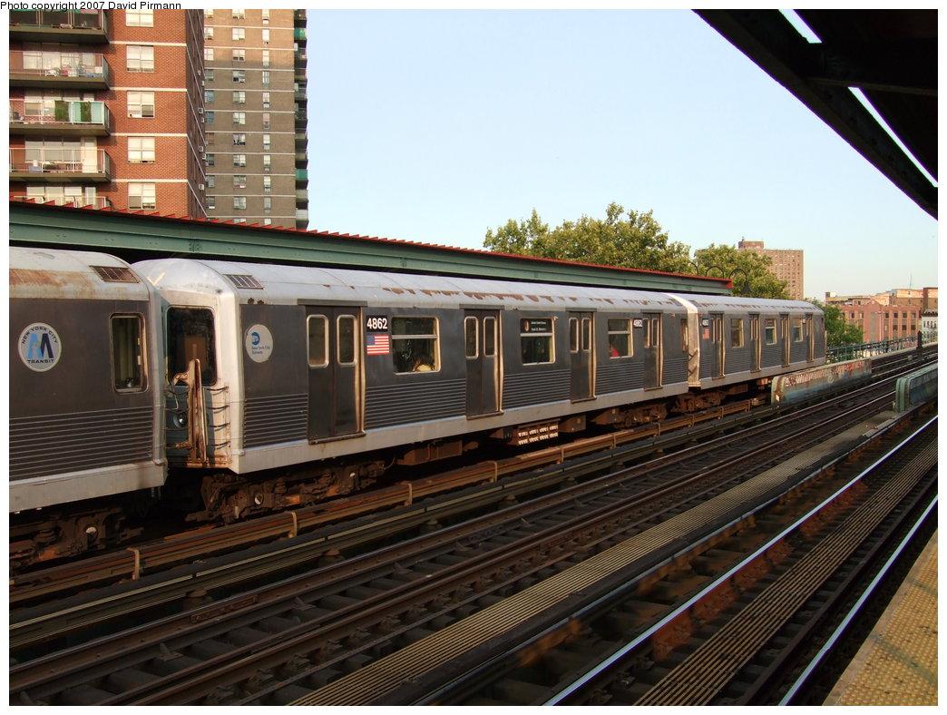 (200k, 1044x788)<br><b>Country:</b> United States<br><b>City:</b> New York<br><b>System:</b> New York City Transit<br><b>Line:</b> BMT Nassau Street/Jamaica Line<br><b>Location:</b> Lorimer Street <br><b>Route:</b> J<br><b>Car:</b> R-42 (St. Louis, 1969-1970)  4862 <br><b>Photo by:</b> David Pirmann<br><b>Date:</b> 8/14/2007<br><b>Viewed (this week/total):</b> 2 / 1768