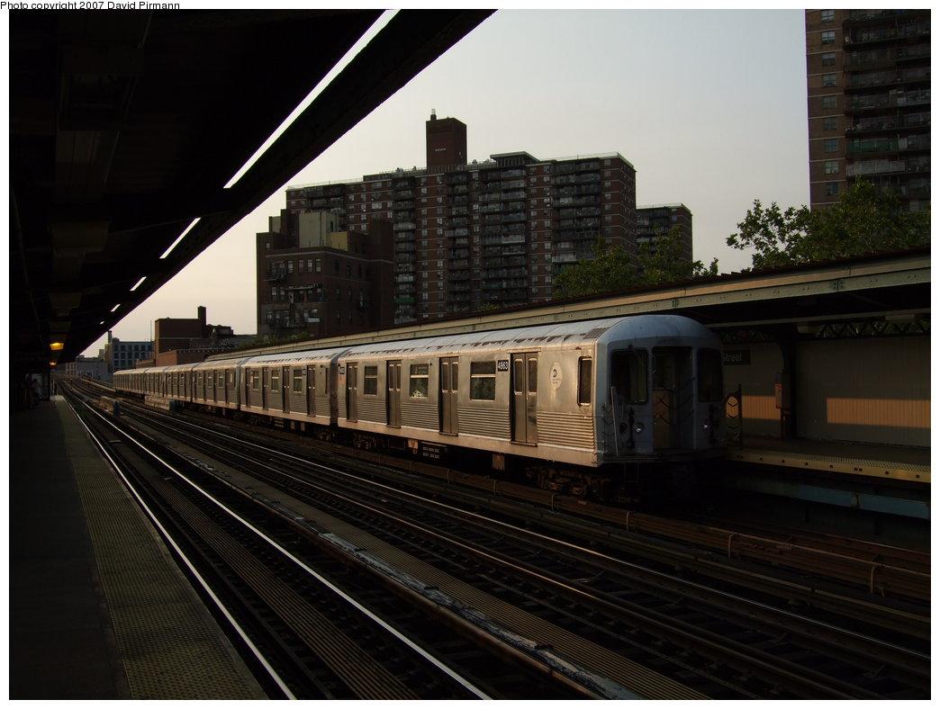 (155k, 1044x788)<br><b>Country:</b> United States<br><b>City:</b> New York<br><b>System:</b> New York City Transit<br><b>Line:</b> BMT Nassau Street/Jamaica Line<br><b>Location:</b> Lorimer Street <br><b>Route:</b> J<br><b>Car:</b> R-42 (St. Louis, 1969-1970)  4863 <br><b>Photo by:</b> David Pirmann<br><b>Date:</b> 8/14/2007<br><b>Viewed (this week/total):</b> 0 / 1292