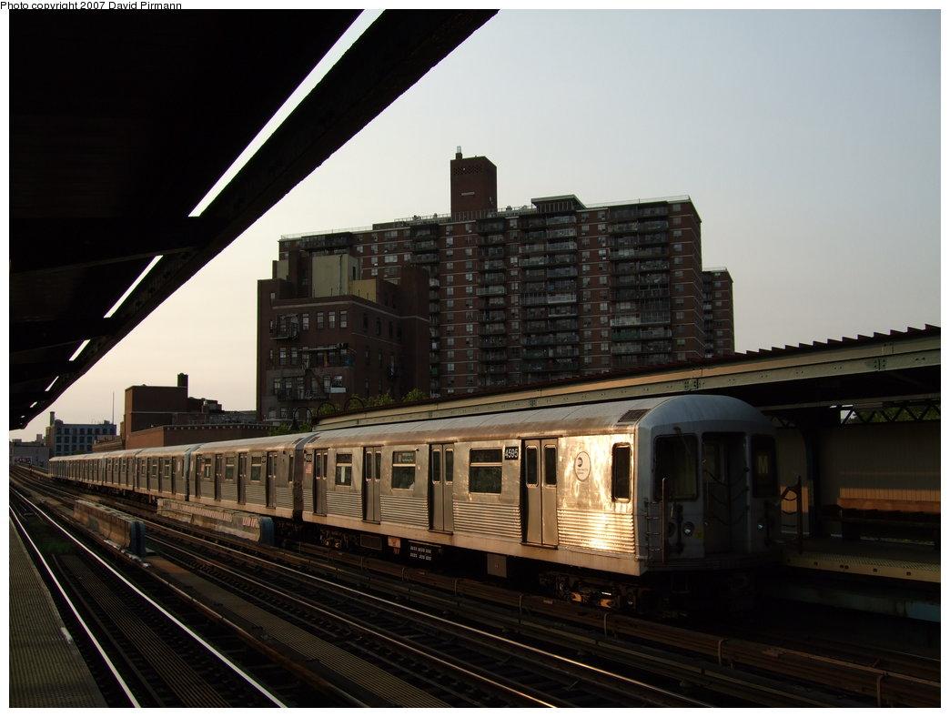 (146k, 1044x788)<br><b>Country:</b> United States<br><b>City:</b> New York<br><b>System:</b> New York City Transit<br><b>Line:</b> BMT Nassau Street/Jamaica Line<br><b>Location:</b> Lorimer Street <br><b>Route:</b> M<br><b>Car:</b> R-42 (St. Louis, 1969-1970)  4595 <br><b>Photo by:</b> David Pirmann<br><b>Date:</b> 8/14/2007<br><b>Viewed (this week/total):</b> 1 / 1501