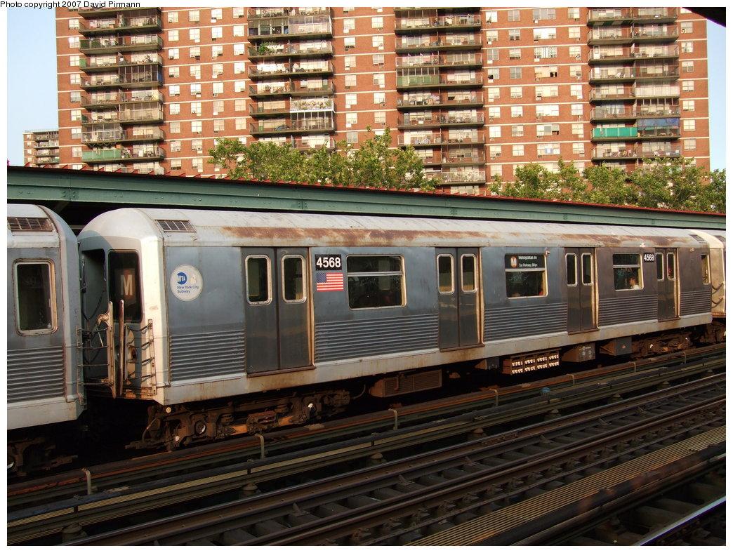(243k, 1044x788)<br><b>Country:</b> United States<br><b>City:</b> New York<br><b>System:</b> New York City Transit<br><b>Line:</b> BMT Nassau Street/Jamaica Line<br><b>Location:</b> Lorimer Street <br><b>Route:</b> M<br><b>Car:</b> R-42 (St. Louis, 1969-1970)  4568 <br><b>Photo by:</b> David Pirmann<br><b>Date:</b> 8/14/2007<br><b>Viewed (this week/total):</b> 2 / 2148