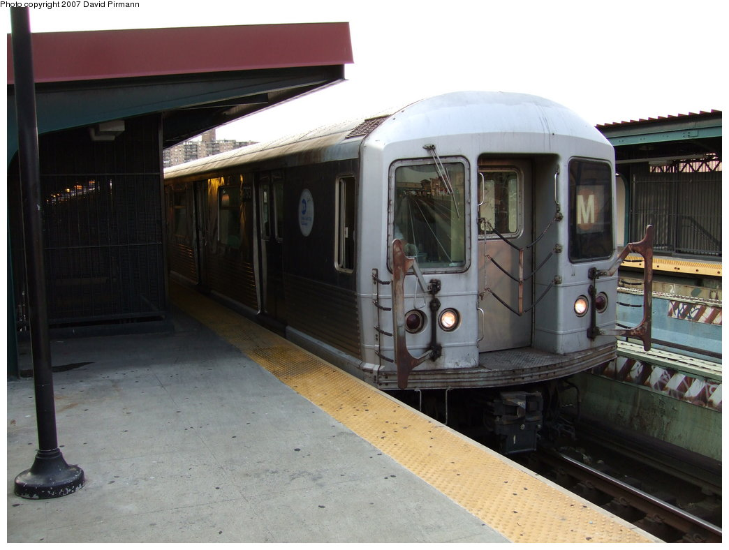 (149k, 1044x788)<br><b>Country:</b> United States<br><b>City:</b> New York<br><b>System:</b> New York City Transit<br><b>Line:</b> BMT Nassau Street/Jamaica Line<br><b>Location:</b> Flushing Avenue <br><b>Route:</b> M<br><b>Car:</b> R-42 (St. Louis, 1969-1970)  4793 <br><b>Photo by:</b> David Pirmann<br><b>Date:</b> 8/14/2007<br><b>Viewed (this week/total):</b> 1 / 1834