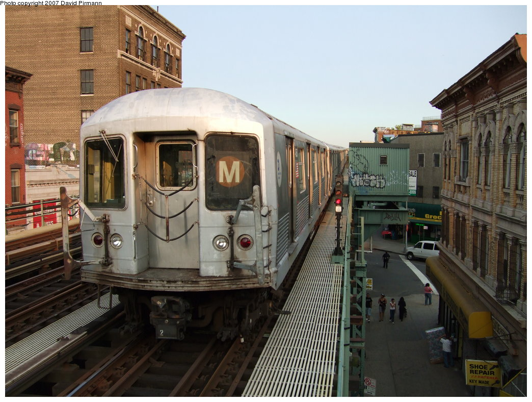 (201k, 1044x788)<br><b>Country:</b> United States<br><b>City:</b> New York<br><b>System:</b> New York City Transit<br><b>Line:</b> BMT Nassau Street/Jamaica Line<br><b>Location:</b> Flushing Avenue <br><b>Route:</b> M<br><b>Car:</b> R-42 (St. Louis, 1969-1970)   <br><b>Photo by:</b> David Pirmann<br><b>Date:</b> 8/14/2007<br><b>Viewed (this week/total):</b> 0 / 1723