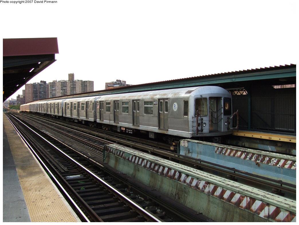 (176k, 1044x788)<br><b>Country:</b> United States<br><b>City:</b> New York<br><b>System:</b> New York City Transit<br><b>Line:</b> BMT Nassau Street/Jamaica Line<br><b>Location:</b> Flushing Avenue <br><b>Route:</b> J<br><b>Car:</b> R-42 (St. Louis, 1969-1970)  4572 <br><b>Photo by:</b> David Pirmann<br><b>Date:</b> 8/14/2007<br><b>Viewed (this week/total):</b> 0 / 1866