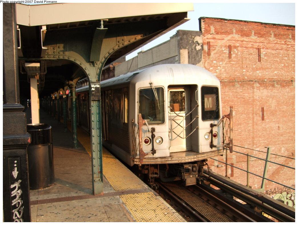 (193k, 1044x788)<br><b>Country:</b> United States<br><b>City:</b> New York<br><b>System:</b> New York City Transit<br><b>Line:</b> BMT Nassau Street/Jamaica Line<br><b>Location:</b> Myrtle Avenue <br><b>Route:</b> M<br><b>Car:</b> R-42 (St. Louis, 1969-1970)   <br><b>Photo by:</b> David Pirmann<br><b>Date:</b> 8/14/2007<br><b>Viewed (this week/total):</b> 0 / 1628