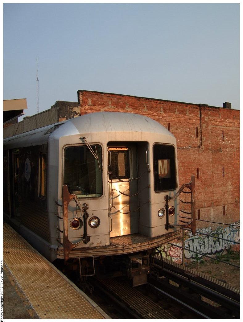 (162k, 788x1044)<br><b>Country:</b> United States<br><b>City:</b> New York<br><b>System:</b> New York City Transit<br><b>Line:</b> BMT Nassau Street/Jamaica Line<br><b>Location:</b> Myrtle Avenue <br><b>Route:</b> M<br><b>Car:</b> R-42 (St. Louis, 1969-1970)  4752 <br><b>Photo by:</b> David Pirmann<br><b>Date:</b> 8/14/2007<br><b>Viewed (this week/total):</b> 2 / 1816